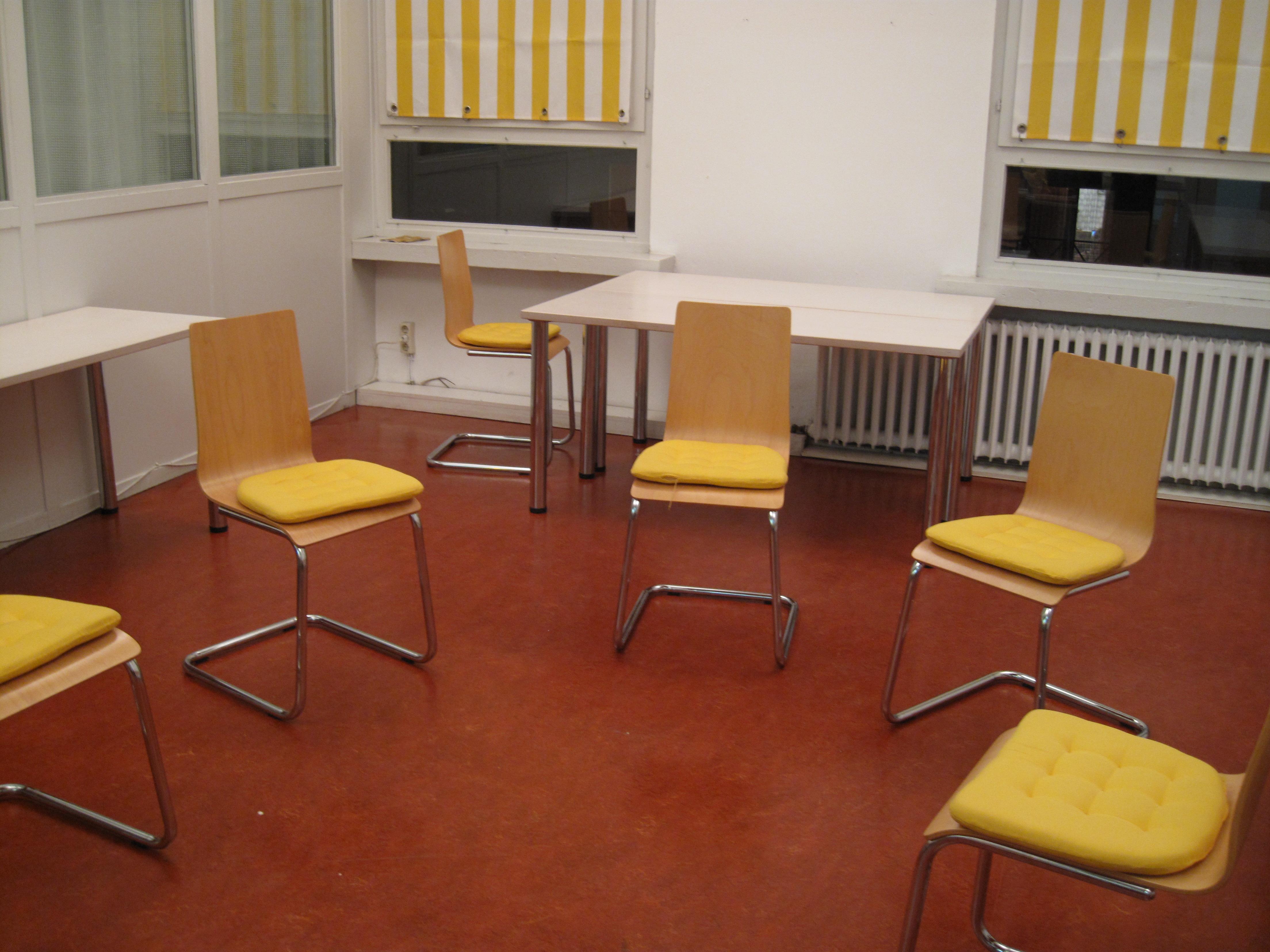 stuhlkreis_frauenschule