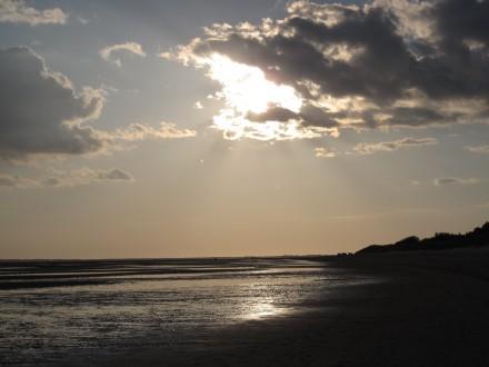 sonne_durch_wolken_meer